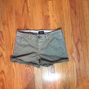 American Eagle Stretch midi green shorts size 4